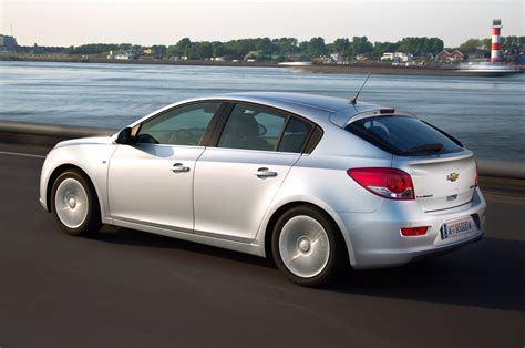chevrolet cruze hatchback 2015 2016 chevy cruze hatchback release date price and specs