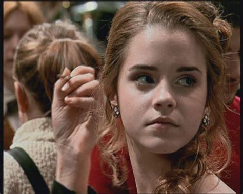 hermione yule ball hairstyle selena gomez schwanger emma watson hermione hair