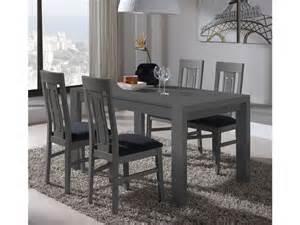 sal 243 n comedor con mesa de madera y con sillas