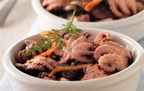 ricette per cucinare il polpo 5 ricette per cucinare il polpo polpi affogati donne