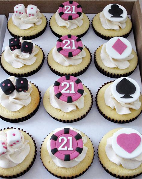 Vegas Cake Decorations What Do You Give The Celebrating Her 21st Birthday In