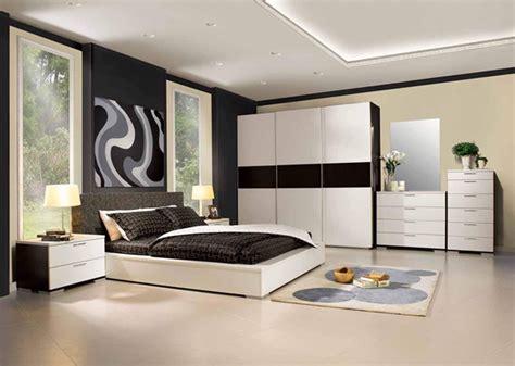 Ranjang Lantai atasi darah tinggi dengan ruang bernuansa hitam putih rumah dan gaya hidup rumah