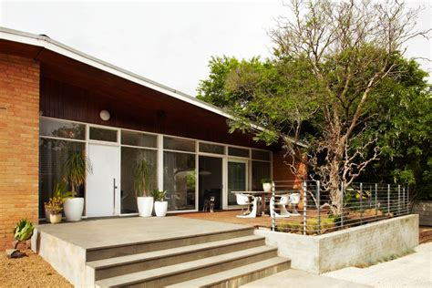 modern w a side of ranch midcentury living room tracie ellis home modern exterior melbourne