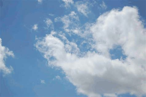 imagenes extrañas en las nubes nubes en movimiento gif imagui