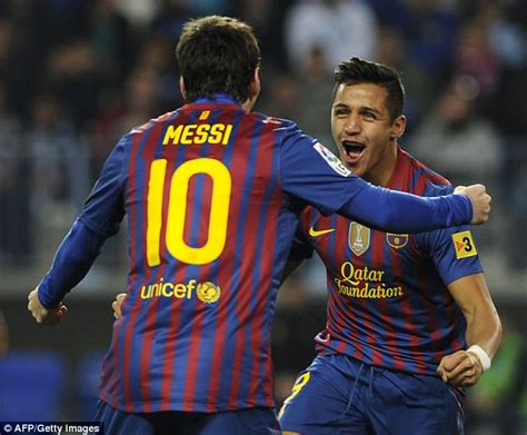 alexis sanchez crying alexis sanchez saw messi cry when chelsea beat barcelona