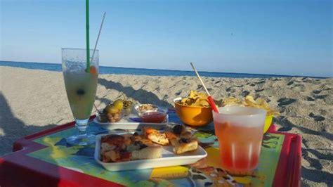 bagni america finale ligure aperitivo in spiaggia foto di bagni america finale