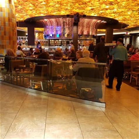 mohegan sun seasons buffet mohegan sun 667 photos 547 reviews casinos 1
