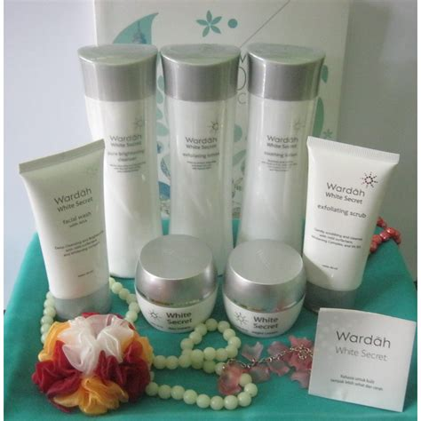 Satu Paket Wardah White Secret Series by Wardah Kosmetik White Secret Series