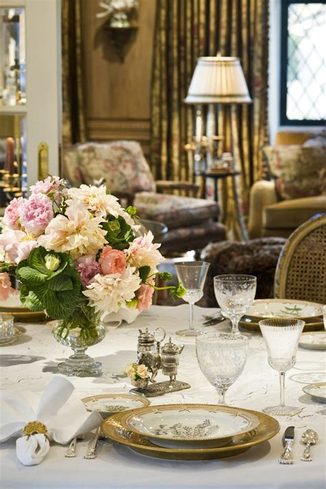 elegant tablescapes dining room tablescapes pinterest 1000 ideas about dining table settings on pinterest