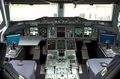 cabina di pilotaggio airbus a380 airbus a380 800