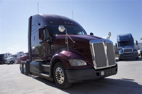 Kenworth T700 Low Price American Truck Showrooms