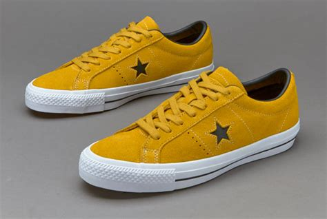 Harga Converse Yellow sepatu sneakers converse one suede yellow black white