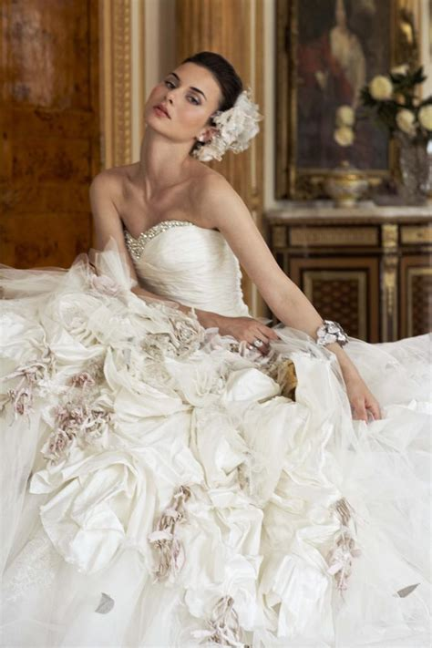 Ian Stewart Wedding Gowns by Wedding Dress Designer In Spotlight Ian Stuart Wedding