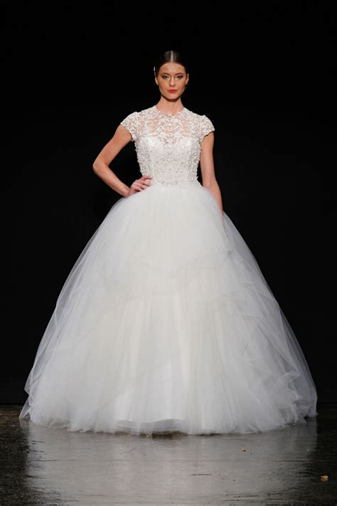 25 Stunning Non Strapless Wedding Dresses   Every Last Detail