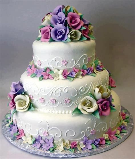 pastel decorado bonito bonito pastel de cumplea 241 os blanco decorado con rosas de
