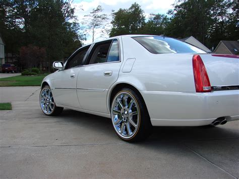 Cadillac On 22s by Cadillac Dts On 22s And Vogues Singing