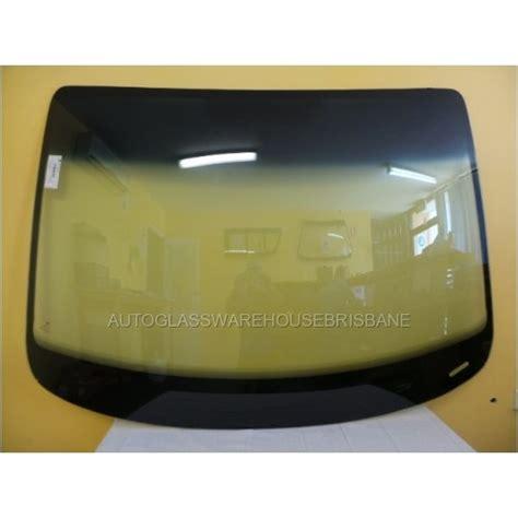 volkswagencaddy vancurrent frontwindscreen withantenna