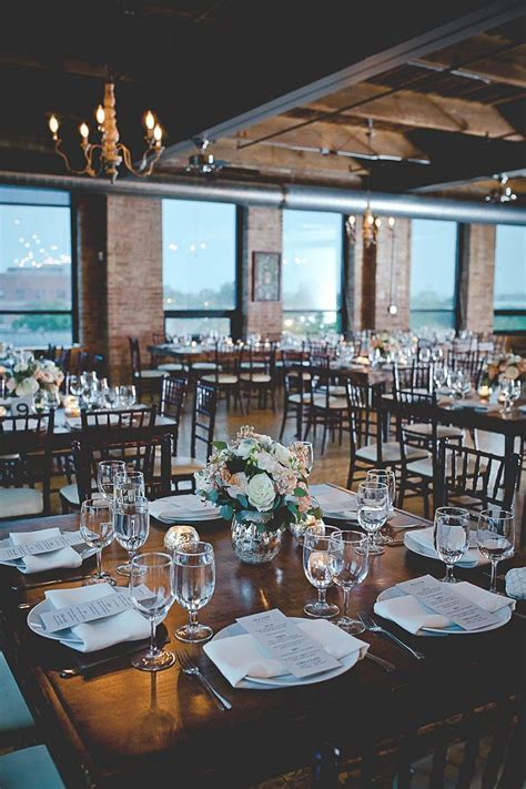 Romantic City View Loft Wedding in Chicago   Jazi Photo