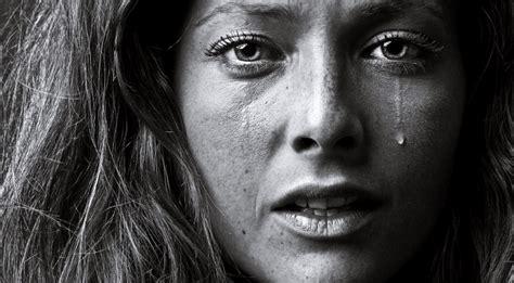 Portraits Of Grief by تفسير البكاء في الحلم بكافة أنواعه مجلتك