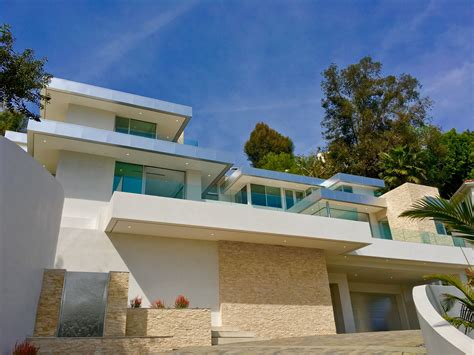 houses in the hills showing new contemporary homes in beverly hills