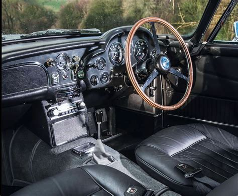 Image Gallery Db5 Interior
