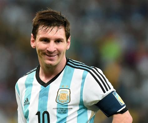 biography of lionel messi in spanish lionel messi biography childhood life achievements