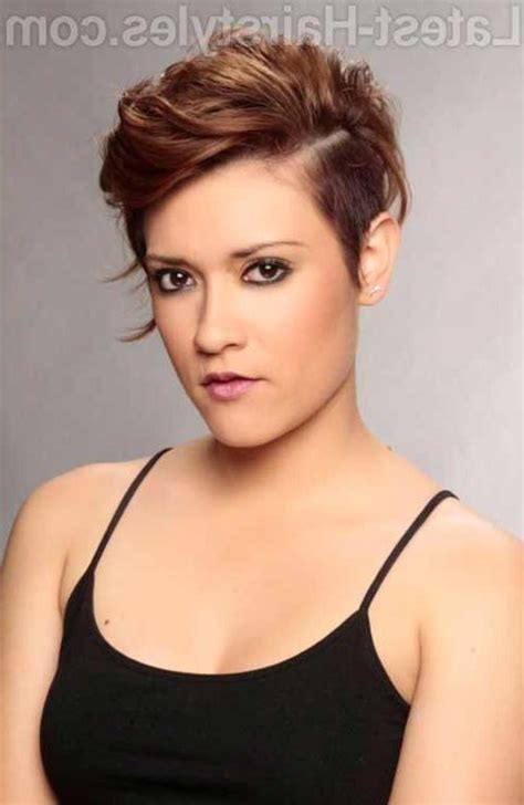 current short hairstyles for women in their 40s with some spike in the back 2018 latest short haircuts for women in their 30s