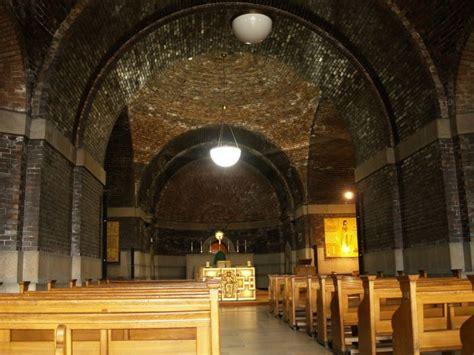 Brown Interior Design Liverpool 7 Roman Catholic Metropolitan Cathedral Of