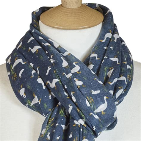 Blue Goose Feathers Scraf Leher navy blue duckling scarf peck feather