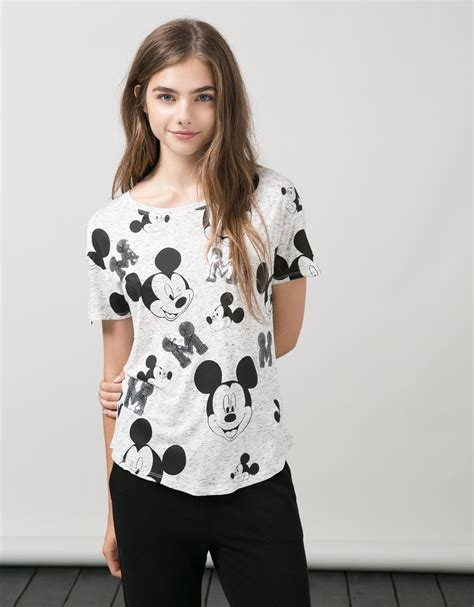 Bershka Sweatshirt Mickey Print bsk all mickey mouse print t shirt with sequins