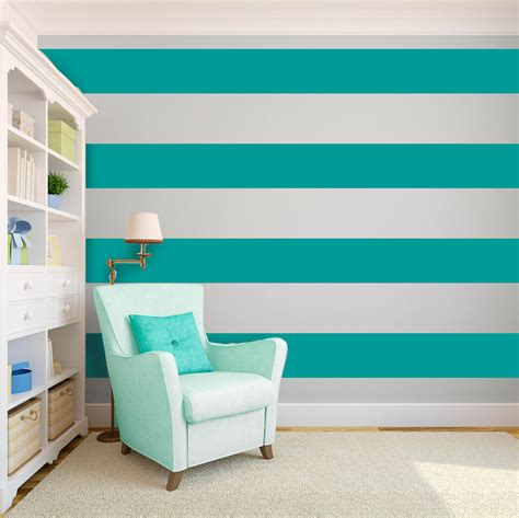 striped wall create an interesting ribbon effect on your walls for