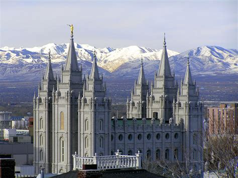 how many mormon churches are in utah