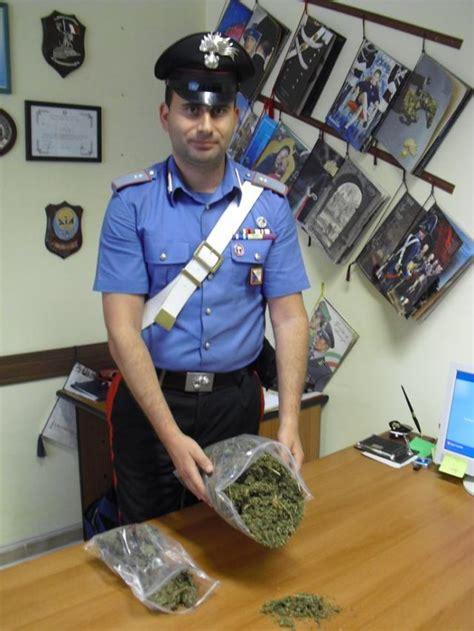 spaccio alimentare reggio calabria reggio in auto con 1 kg di marijuana arrestato