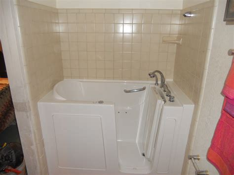 bathtub refinishing baton rouge walk in tub walkin tub 10 bariatric walk in tub600 a