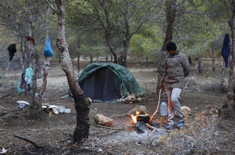 Anger In Spain At Migrant Models by La Catedral Espa 241 Ola De T 225 Nger Se Convierte En Refugio De