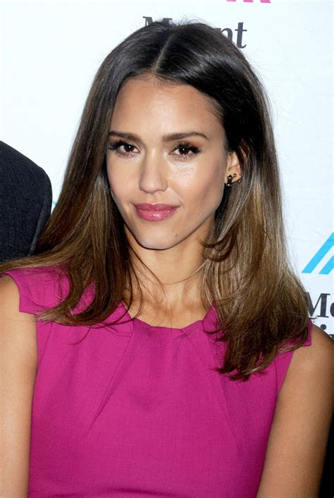 clean bedroom nyc jessica alba at unveils honest company s ultra clean room in new york hawtcelebs