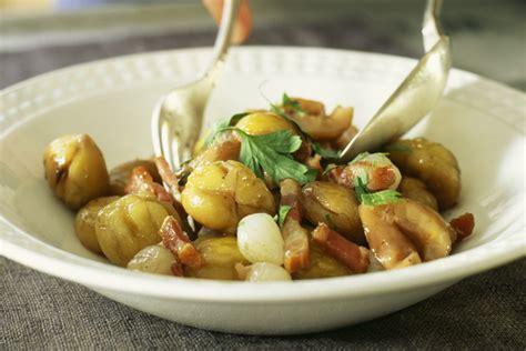 cucinare castagne padella castagne in padella con pancetta la ricetta contorno