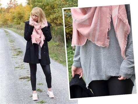fashionblogger karlsruhe schwarzer mantel rosa xl schal