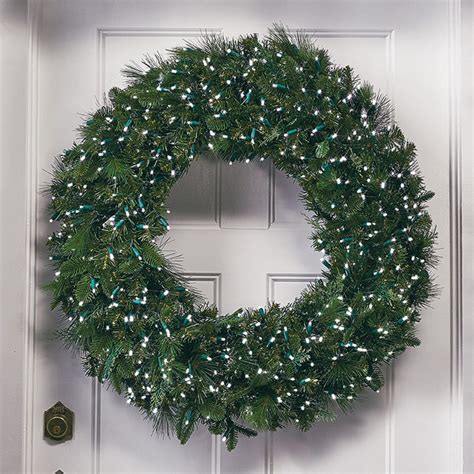 manhattan super bright led christmas wreath traditional