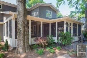 L Shaped House With Porch by Heirloom Quality Woods And A Cottage Bed Swing Fit This L