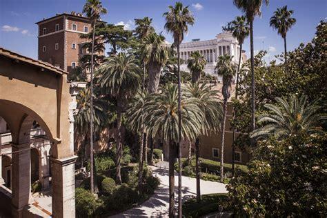 il giardino roma il giardino ritrovato di palazzo venezia apre al pubblico