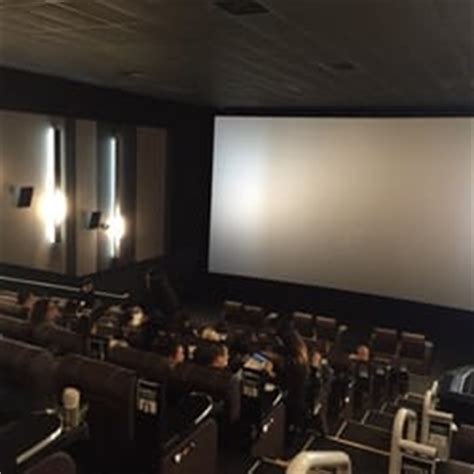 cineplex ajax cineplex odeon first markham place cinemas geschlossen