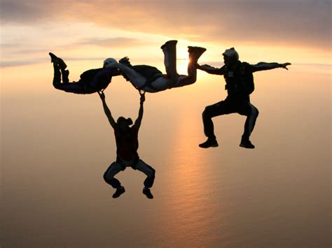 parachute dive go greece your way parachuting skydiving in greece
