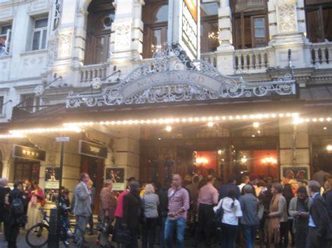 study abroad in paris france sarah lawrence college sarah lawrence college london london theatre program