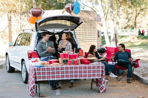Easy Dinner Party Main Dishes - game on tailgate party guide evite