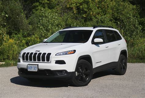 jeep new white review 2015 jeep cherokee 4x2 north canadian auto review