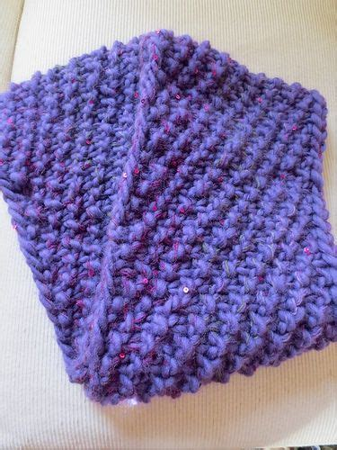knitting pattern scarf circular needle knit cowl using super chunky yarn and size 17 circular