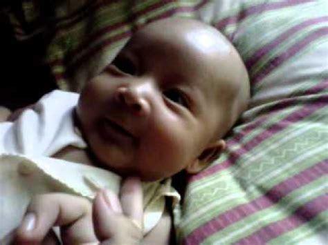 Jilbab Bayi Umur 4 Bulan Varo Bayi Lucu Ngoceh Usia 2 5 Bulan