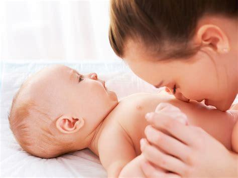 Best Baby Bathtub Newborn Will My Baby S Belly Button Always Stick Out Babycenter