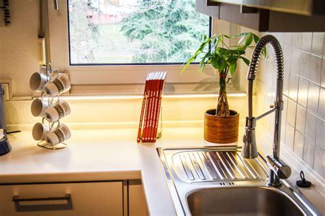 beleuchtung arbeitsplatte arbeitsplattenbeleuchtung mit superhellen led strips in